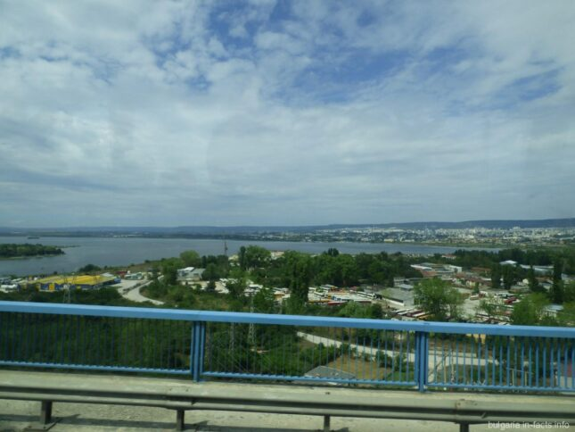 Вид с Аспарухова моста