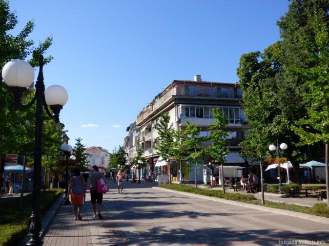 Главная улица Поморие