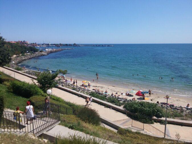 Городской пляж Несебра с высоты