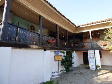 Жилые комнаты монастыря в Поморие