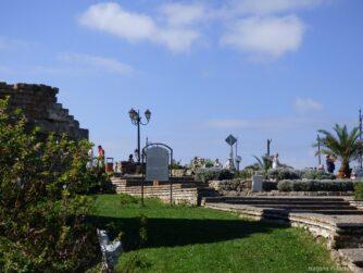 Зеленые улочки в Старом Несебре