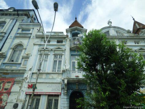 Красивое здание в Варне