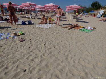 Кусочек пляжа в Равде