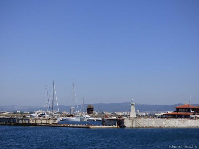 Морской пейзаж в Старом Несебре