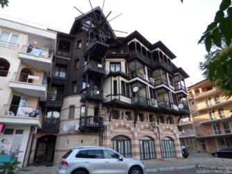 Огромная гостиница в Несебре