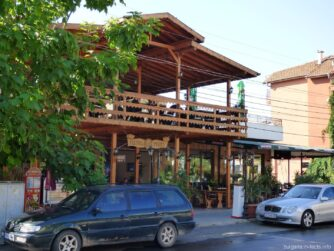 Один из ресторанов в Равде