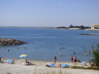 Один из пляжей в Ахелое