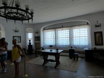 Одна из комнат на втором этаже