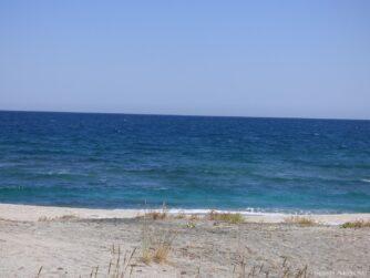 Пляж на косе рядом с Поморьем