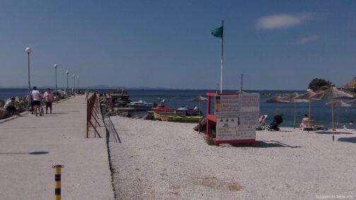 Пост спасателей на пляже в Старом Несебре