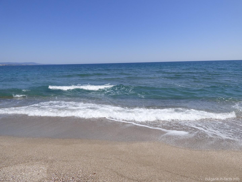Фото титек на пляжу