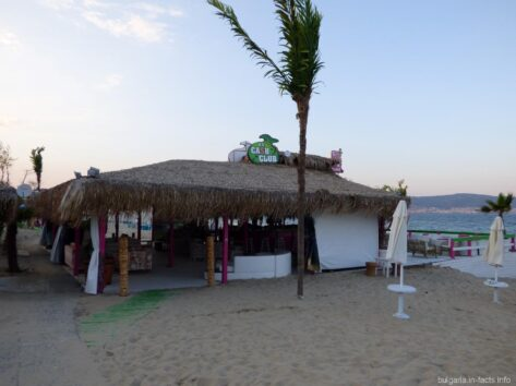 Ресторанчик на Северном пляже Несебра