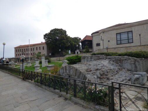 Руины в старой части Несебра