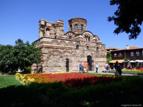 Самая большая церковь в Несебре