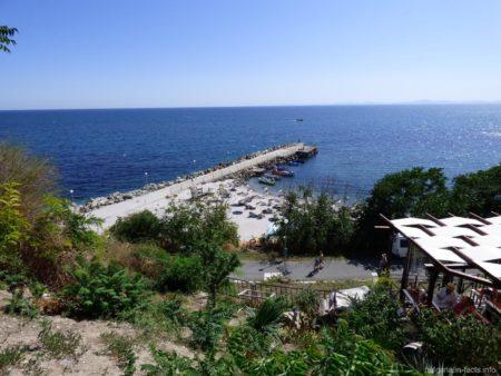 Самый оборудованый пляж в старом Несебре