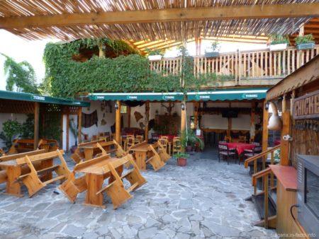 Симпатичный ресторанчик в Болгарии