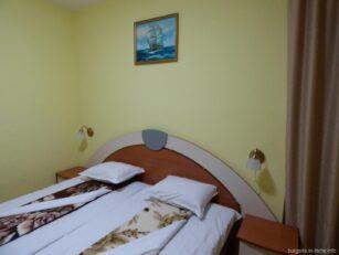 Спальня гостиницы Ванини в Несебре
