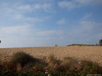 Территория бесплатной части Южного пляжа в Несебре