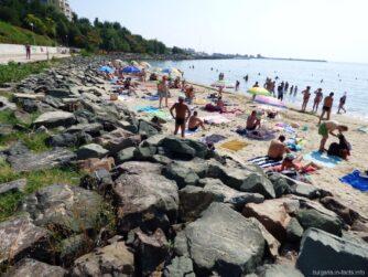 Уединенный пляж в Несебре