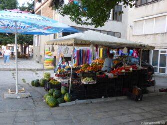 Фруктовый ларек в Болгарии