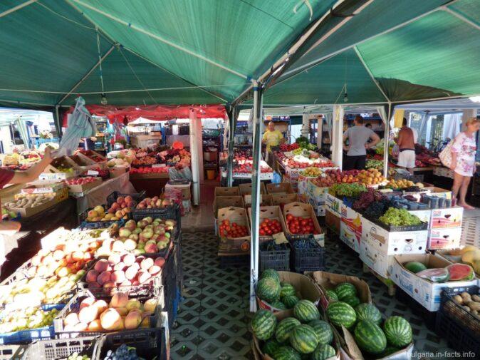 Фруктовый рынок в Помории