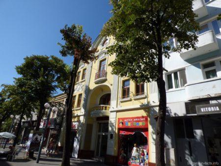 Центральная шоппинговая улица Бургаса