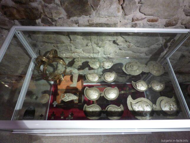 Экспонаты музея монастыря