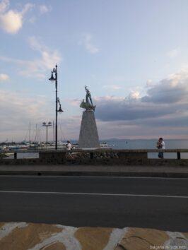 Памятник Святому Николаю в Несебре