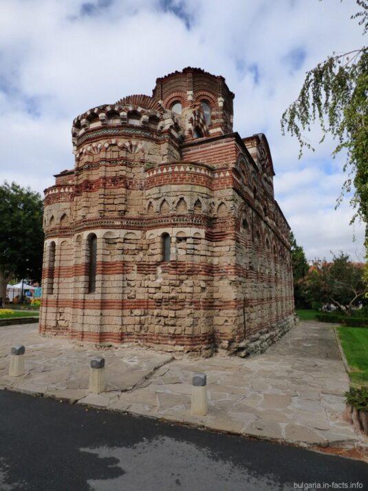Церковь в гороке Несебр