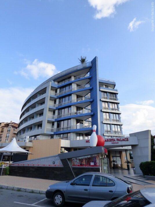 Гостиница в новой части Несебра