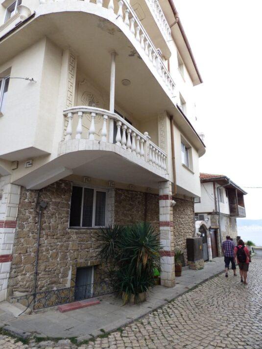 Современная гостиница в старом Несебре