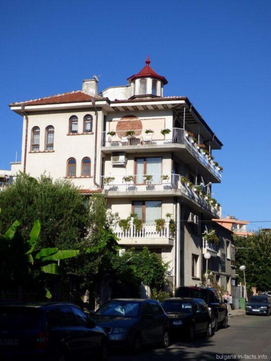Жилой дом в Поморье Болгария