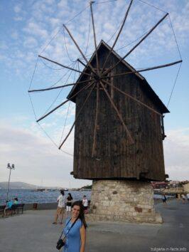 Мельница на мосту в Старый Несебр