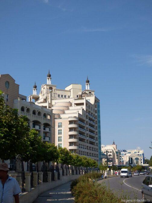 Пятизвездочный отель Sunset Resort на окраине Поморья