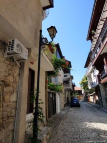 Узкие улочки города Несебр
