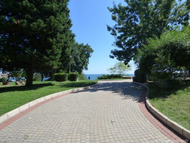 Парк в Несебре Болгария
