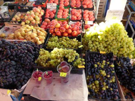 Фруктовый рынок в Болгарии