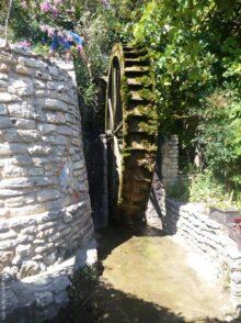 Водяная мельница в парке Балчика