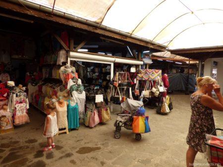 Рынок вещей в старом Несебре