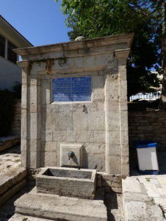 Питьевой фонтан в арабском стиле