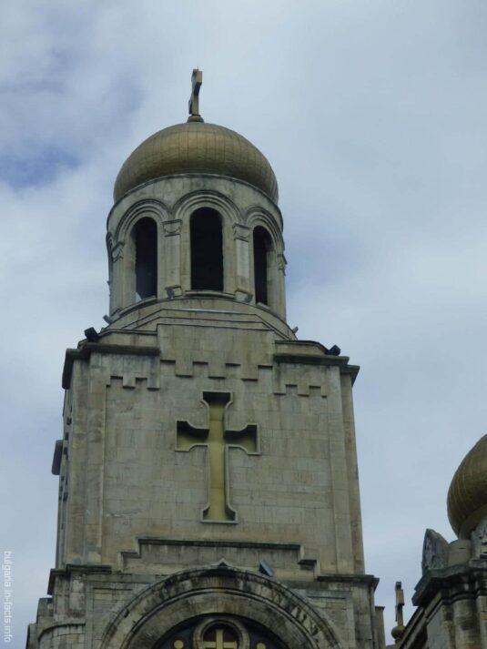 Купол Успенсого собора в Варне