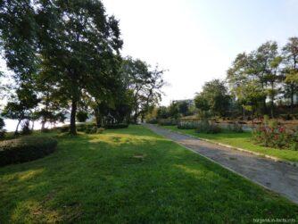 Парк Несебра рано утром