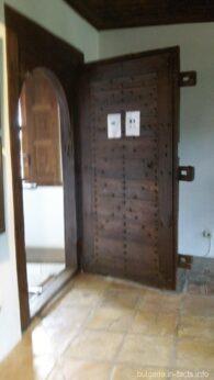 Дубовые двери в купеческом доме Арбанаси