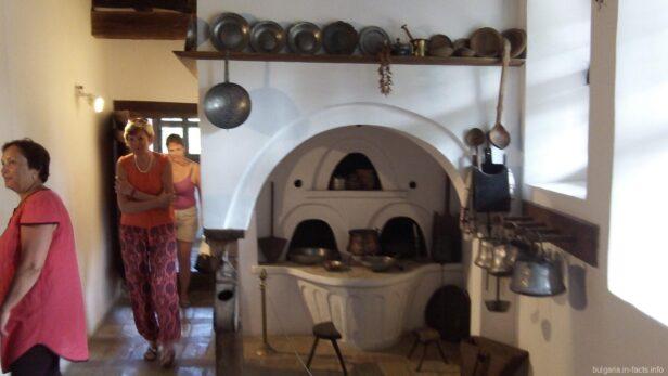Кухня в купеческом доме