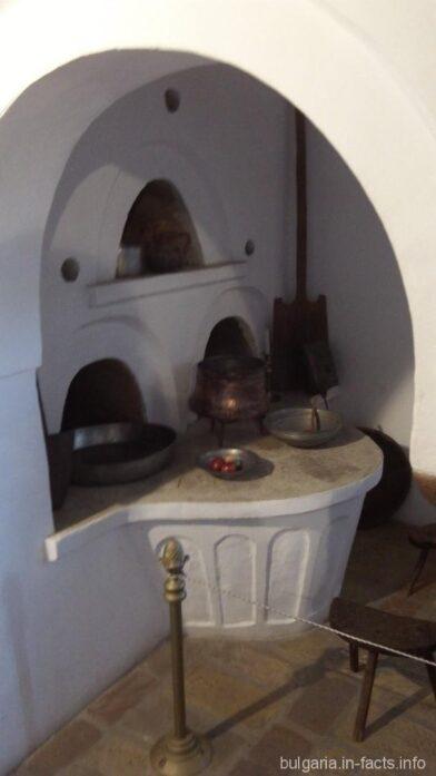 Очаг на старинной кухне в Арбанаси