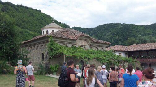 Территория Килифаревского монастыря